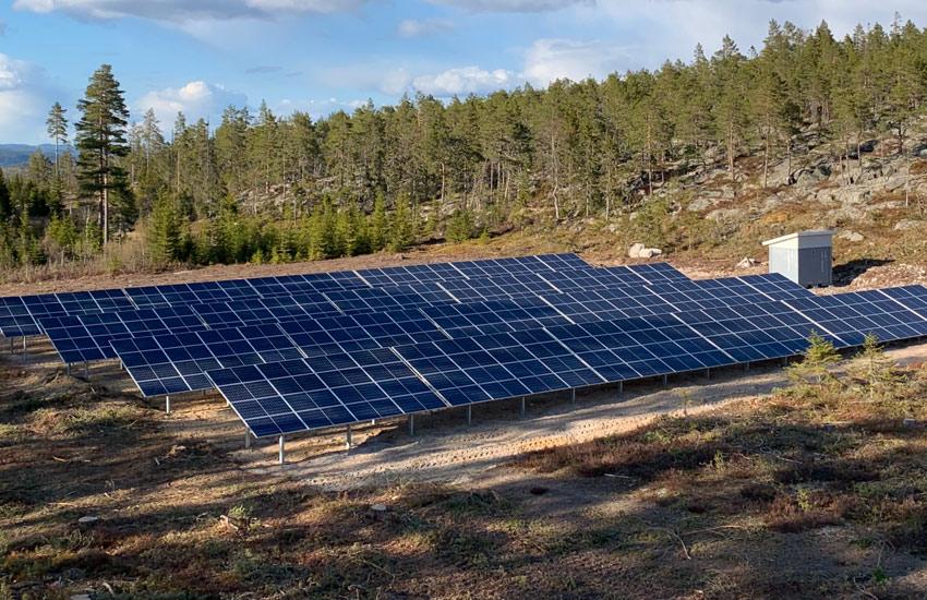 Hemsö Fästning – solcellsbygge i spännande miljö